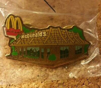 Vintage 1980's McDonalds Restaurant Building EMPLOYEE AWARD LAPEL HAT TACK PIN
