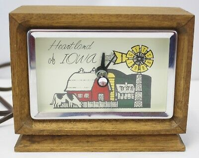 """Vintage 1988 """"Heartland Of Iowa"""" Electric Clock - Tested and Works"""