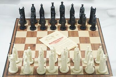 Vintage 1962 CONQUEROR GOTHIC CHESS SET Sculpted PETER GANINE Midieval COMPLETE