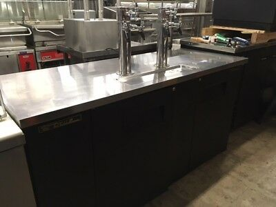 TRUE TDD-3 DRAFT BEER COOLER w/2 Double Towers - Well Maintained!