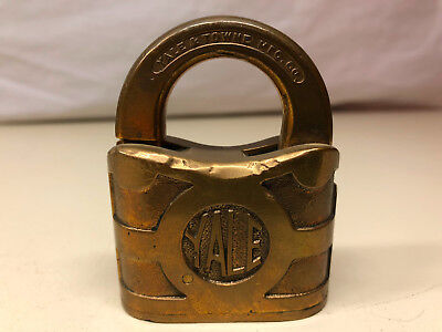 Old Vtg Collectible Brass YALE & Towne Padlock Lock Made In The USA No Key