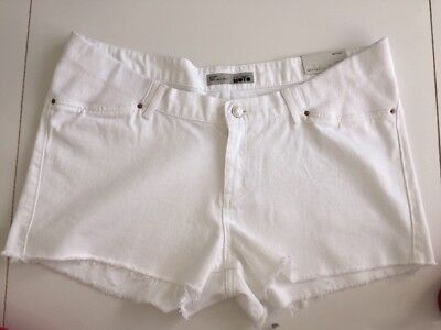 BNWT  TOPSHOP Maternity WHITE Jeans Shorts  Size 14