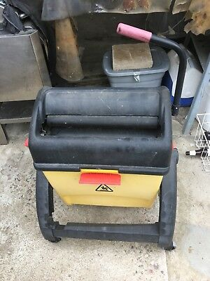 commercial mop bucket wringer