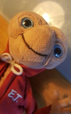 Et The Extra Terrestrial Plush From Universal Studios