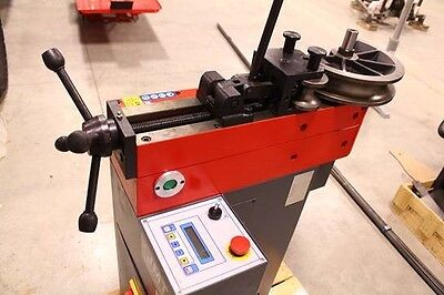 Pipe Bender / Digital Pipe Bending Machine