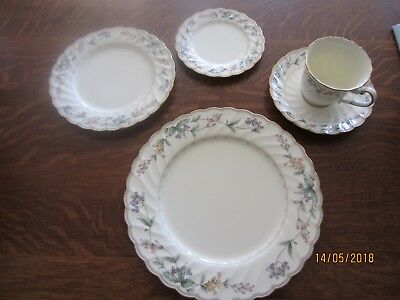 Noritake BROOKHOLLOW Dinnerware NEW 5 Piece Place Floral Garland NEW!!!
