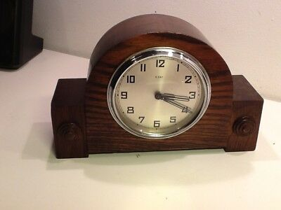 Vintage Art Deco 8 Day Small Oak Cased Mantel Clock, wind up