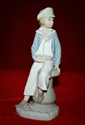 "LLADRO ""BOY WITH YACHT"" #4810 1970'S Beautiful Piece! Mint Condition! Reg.265$"
