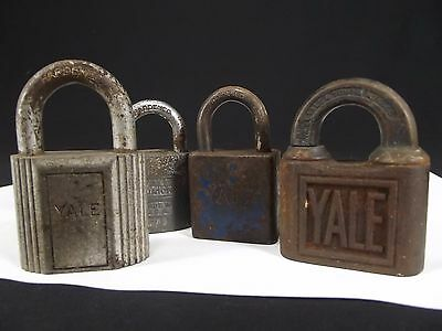 4 Vintage antique brass steel Padlocks YALE & TOWNE Mfg. Co. jr USA old pin