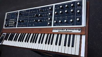 MEMORY MOOG SYNTHESIZER