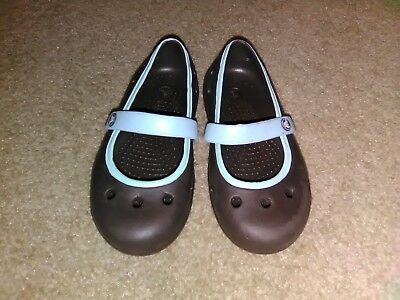 687fe9b61fe3 Kids Crocs Size C 9 Mary Jane Shoes Brown   Blue  EXCELLENT CONDITION   Toddlers