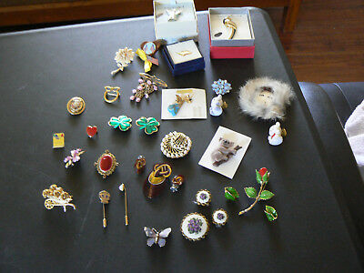 Large Lot of Vintage Retro Antique Brooches Costume Jewelry Brooches 25 Pieces