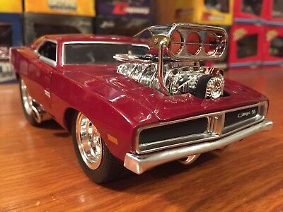 Muscle Machines 1:24 1969 Dodge Charger R/T Loose ! Item 24202