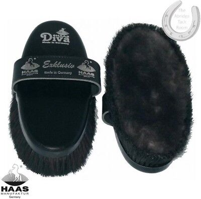 Haas Brush – Diva Exklusiv – Lambskin surrounded by horse hair – Glossy Finish