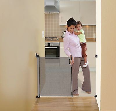 Dreambaby Retractable Gate - Grey (Fits Gaps up to 140cm)