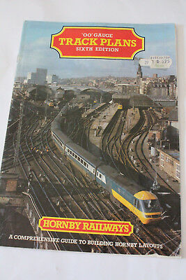 Vintage HORNBY RAILWAYS 'OO' Gauge catalogue 6th Edition1985.
