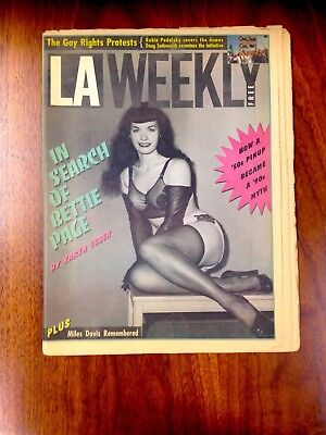 BETTIE PAGE LA WEEKLY 1991 Magazine Newspaper 1950s Pinup Irving Claw VERY RARE