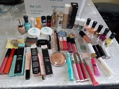 lot mixtes  neuf 55 articles. l'oreal,fenty beuty,astor,catrice,sally hansen,...