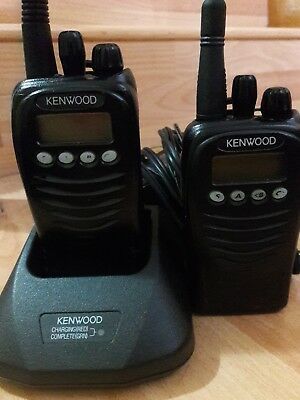 Kenwood TK-3170 UHF Portable Two Way Radio 2 pack . And charger