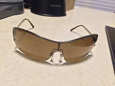 c0385984e253 BURBERRY B3073 WOMAN S Sunglasses-Preowned -  25.00