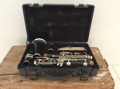 Armstrong 4001 Clarinet With Hard Case  USA