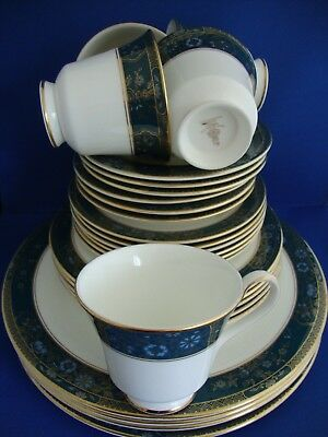 Royal Doulton Carlyle Collection Part Dinner Service Job Lot