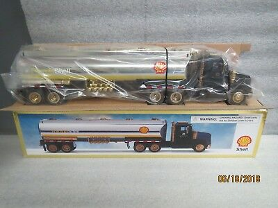 Shell 1998 Gold Tanker with Black Cab-NEW IN BOX