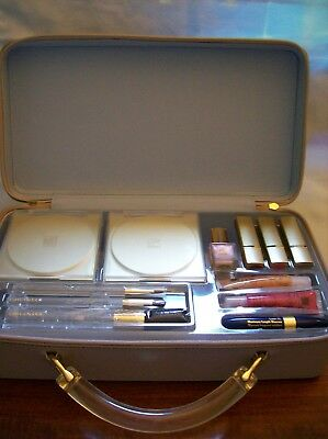 Estee Lauder Gift Set with Beige Zippered Travel Case -- New