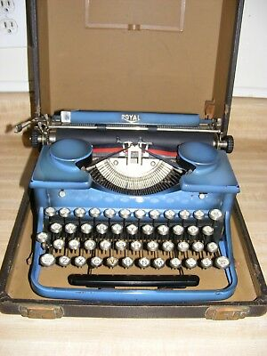 Antique Glossy Blue Royal Typewriter w/Case Glass Keys Very Nice! 1930's P305557