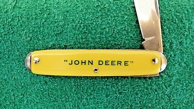JOHN DEERE Yellow Handled Folding Knife Collictible Rare