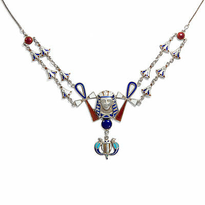 Um 1928: Collier Made of Silver & Email with Amethyst Scarab Chain Art Déco