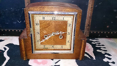 Vintage Art Deco Oak Cased Mantle Clock