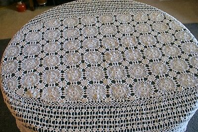"""VINTAGE HAND CROCHETED ECRU COTTON 62"""" x 82""""  OVAL TABLECLOTH GREAT PATTERN EC"""