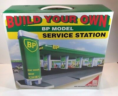 Build Your Own Toy BP Model Service Station Kit Factory Sealed Easy Assembly