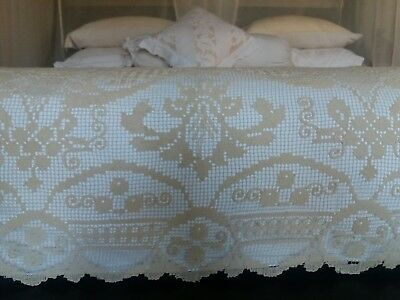 Lace Tablecloth Bedspread Large King Cream  As New