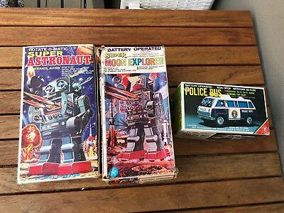 3 X Vintage Robots Japanese And Taiwan And Hong Kong All In Boxes!!