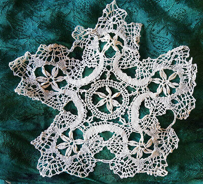 White lace doily, very fine work, vintage