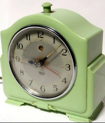 VINTAGE ART DECO BAKELITE Smith's electric alarm clock. Working
