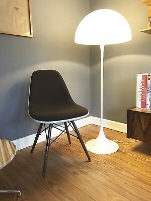 EAMES upholstered Fiberglass SIDE CHAIR Dowel Base DSW by VITRA / Herman Miller