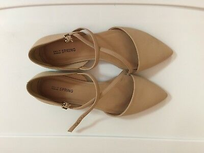 1 Pair Of Used Woman's Shoes,Size8.5