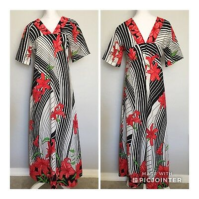Vintage ORIGINAL HAWAIIAN TOGS Black and White with Red Flowers
