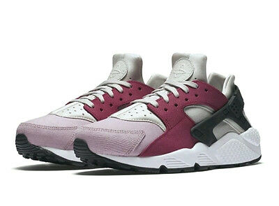 sneakers for cheap 27450 58826 Nike AIR HUARACHE Suede Pack (Size 7) Bone   Black   Red 683818 006
