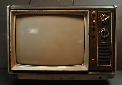 "Vintage Sampo 13"" Color Television 1981"