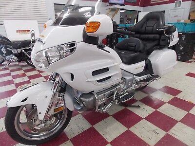 2004 Honda Gold Wing  2004 Honda Goldwing GL1800 Low Miles Awesome Condition !!!!