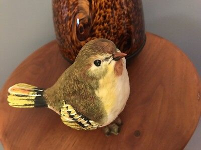 Carved Finch Greenbriar Bird 4 1/2 Inches (A12)