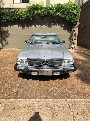 1986 Mercedes-Benz 500-Series  1986 560 SL