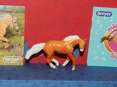 Breyer Mini Whinnie Surprise Series 3 EMMY GOLDEN PALOMINO LOPING STOCK HORSE