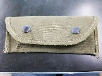 WWII 1944 Carrying Case 7160198 Bearse MFG Co Military Pouch Clip - Olive drab