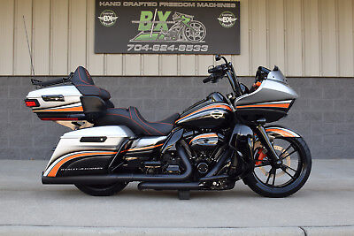 2017 Harley-Davidson Touring  2017 ROAD GLIDE ULTRA FAT TIRE BAGGER  *MINT* FRONT & REAR AIR RIDE! STUNNING!!