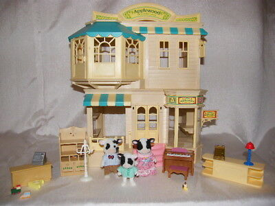Sylvanian Families - Applewood Department Store - Dolls House Cow Family Figures
